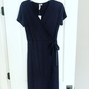 Women's Medium black short sleeve wrap dress